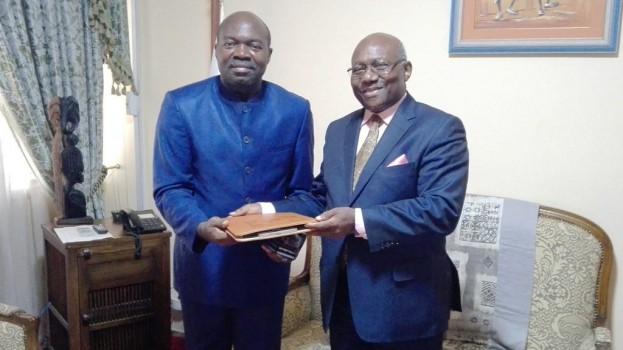 Le Représentant Résident de l'IAI-Cameroun visite le CERDOTOLA.