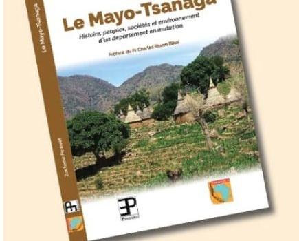 """Cérémonie de dédicace de l'ouvrage """"Le Mayo-Tsanaga"""" de Zacharie Perevet"""