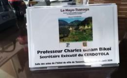 """Vidéo – Dédicace de l'ouvrage """"Le Mayo-Tsanaga"""" de Zacharie Perevet 1ère partie"""
